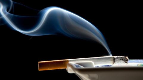 100209cigarette-cendrier_8-1-